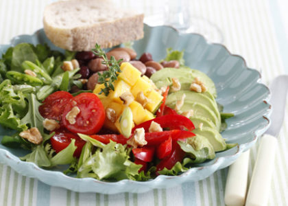 How to Make an Amazing Tropical Lunch Salad