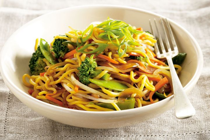 Fried Noodles with Fried Eggs (Wok) Vegetarian Recipe