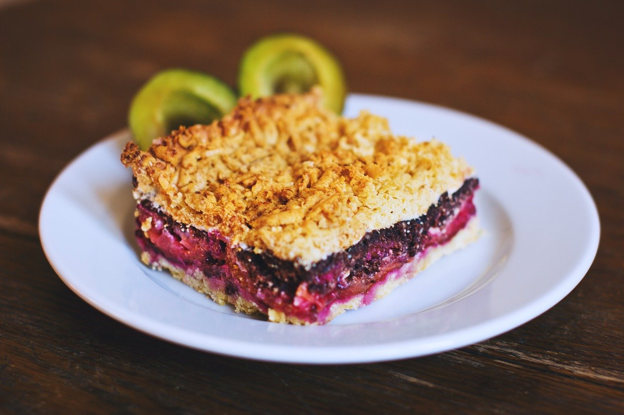Gluten-Free Crumble Pie with Blueberries