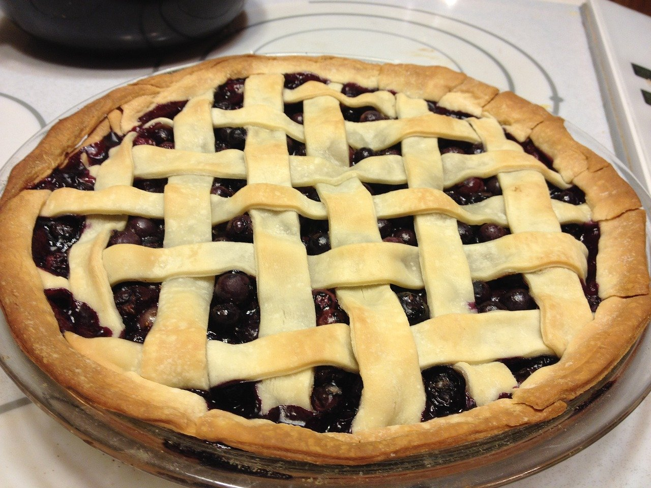 Blueberry Pie with Homemade Vanilla Sauce
