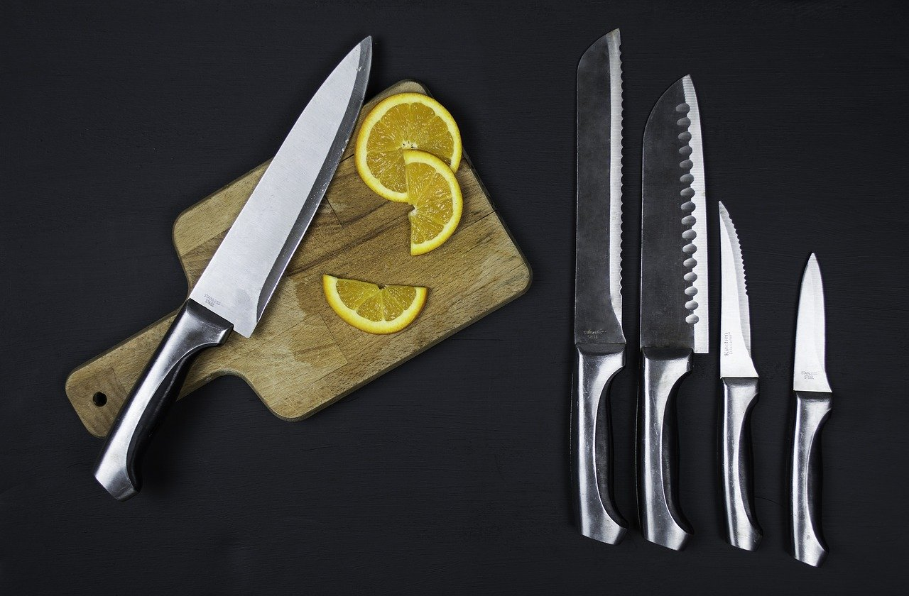 Knives in the Kitchen – Complete Guide