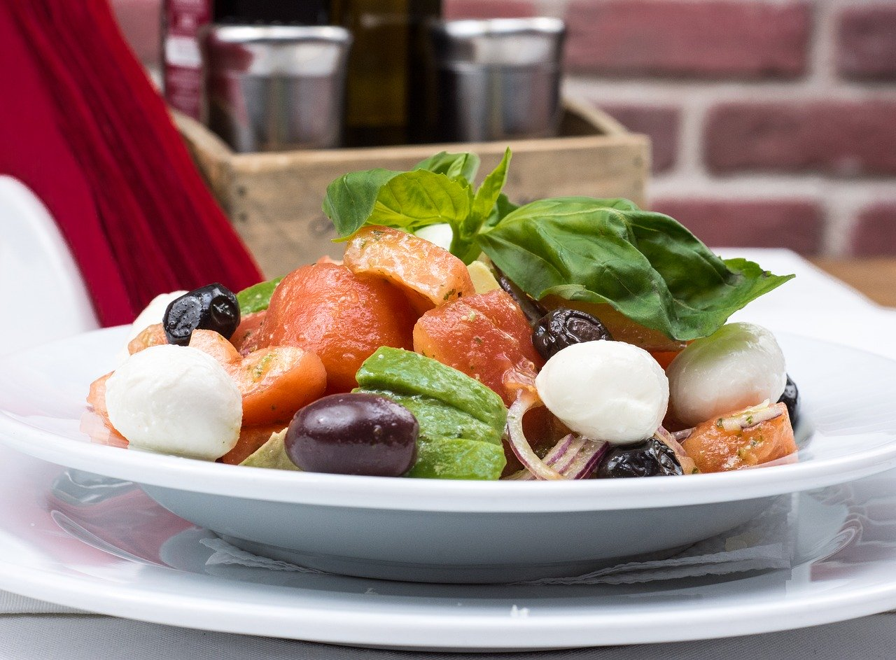 Delicious Mediterranean Salad Recipe