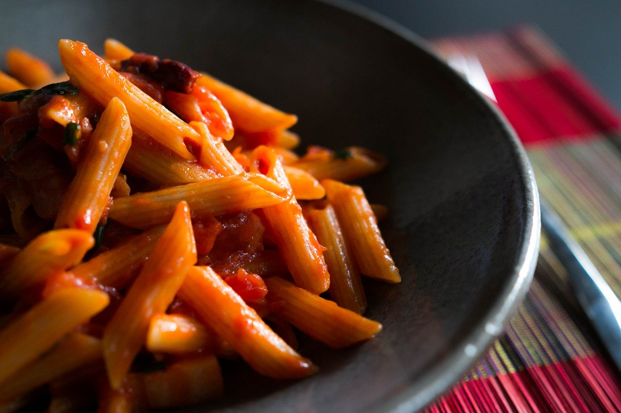 Pasta Penne with Tomatoes and Basil Recipe