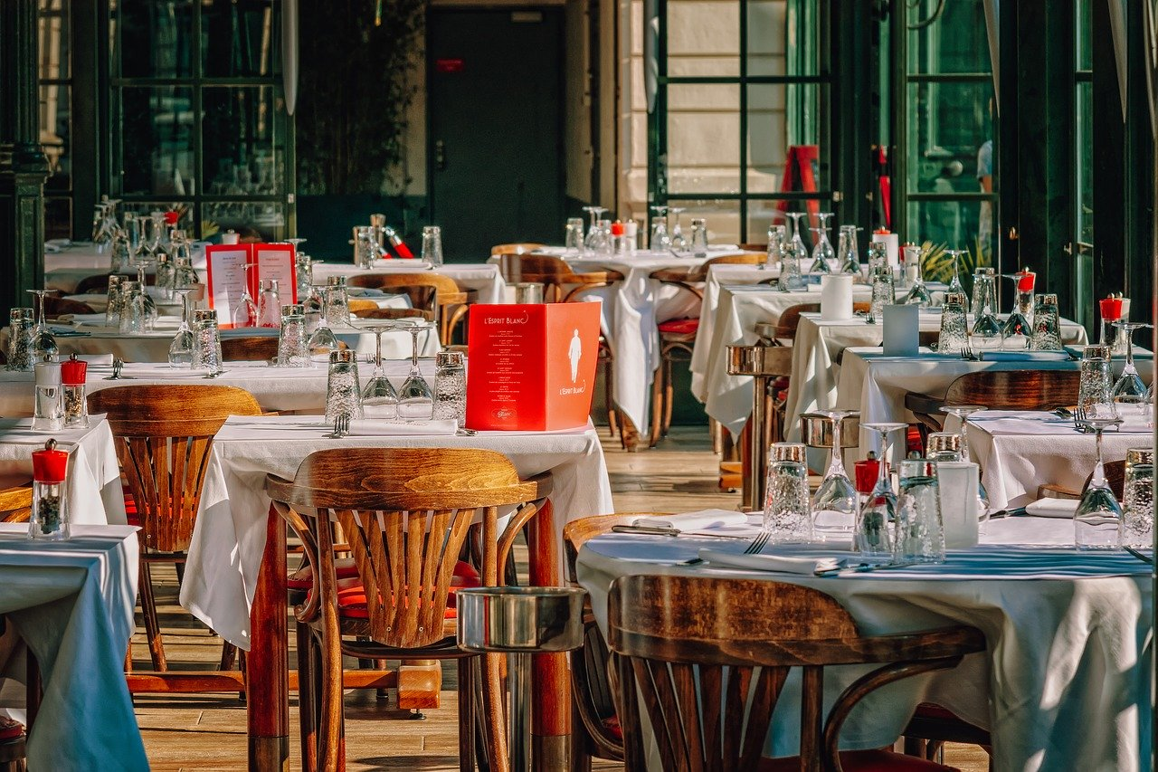 Tips to successfully open your own restaurant
