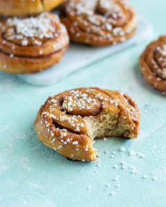 How To Make Quick Cinnamon Buns Without Yeast